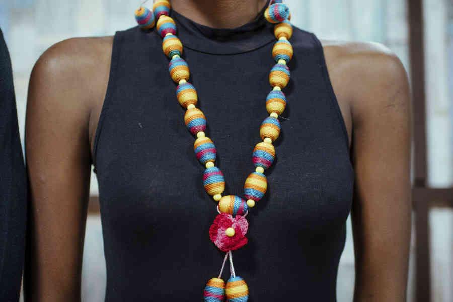 Choisir son collier en fonction de sa tenue
